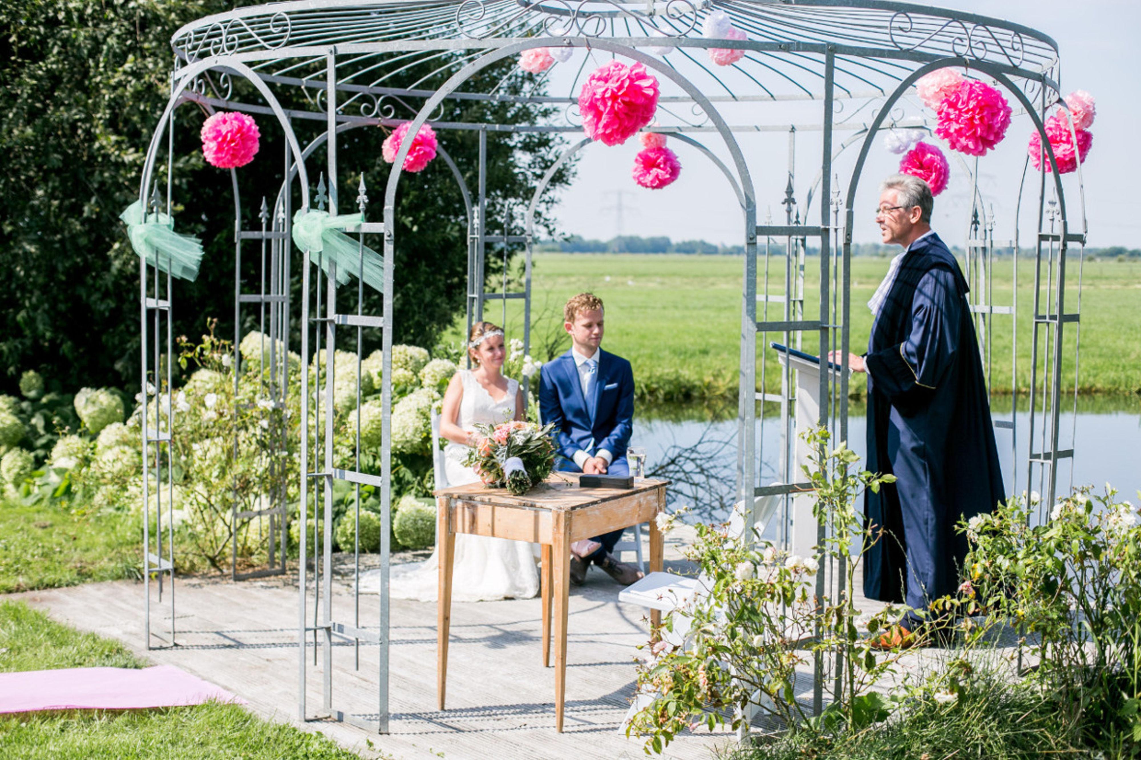 Buiten trouwen bij de Steinsetuin