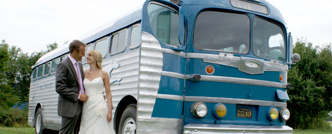 Large_trouwbus_bus_trouwvervoer