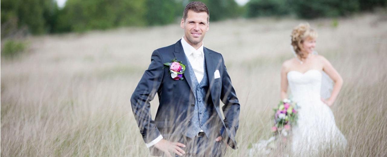 Large_trouwen_bruidegom