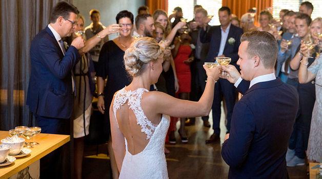 Small_kleding_bruiloftgasten