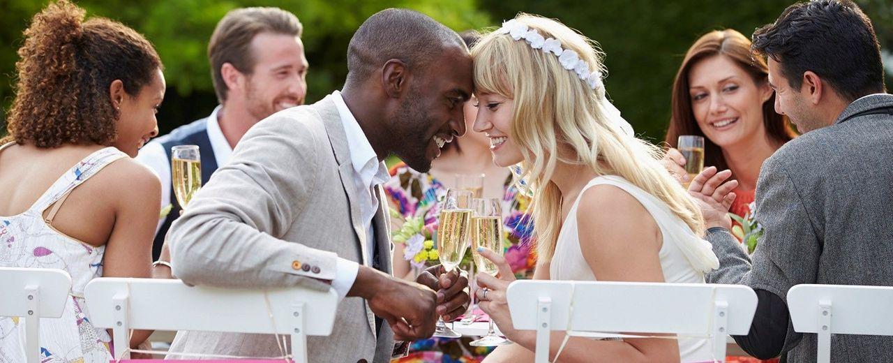 Large_trouwen_huwelijk_bruiloft