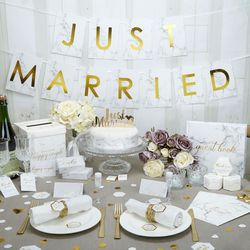 Big_weddingdeco_justmarried