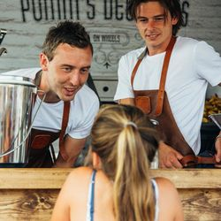 Big_foodtruck_bruiloft_limburg_potatodelicious_7