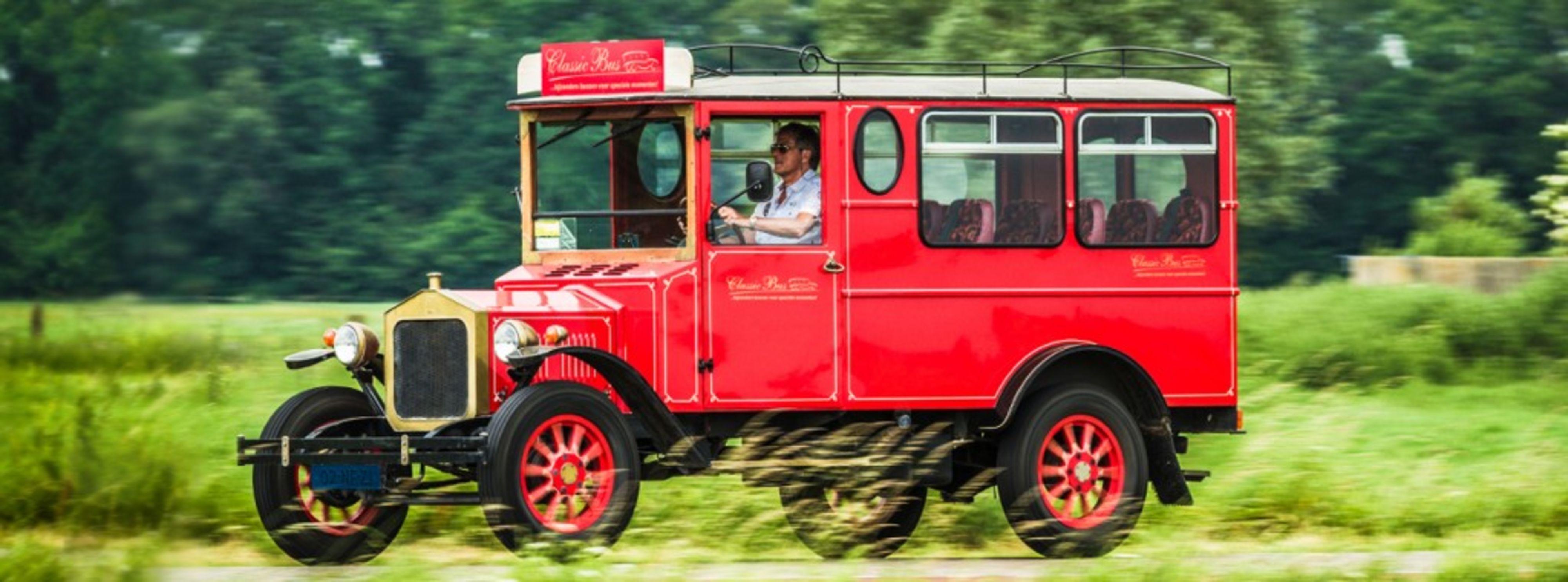 Classicbus trouwvervoer