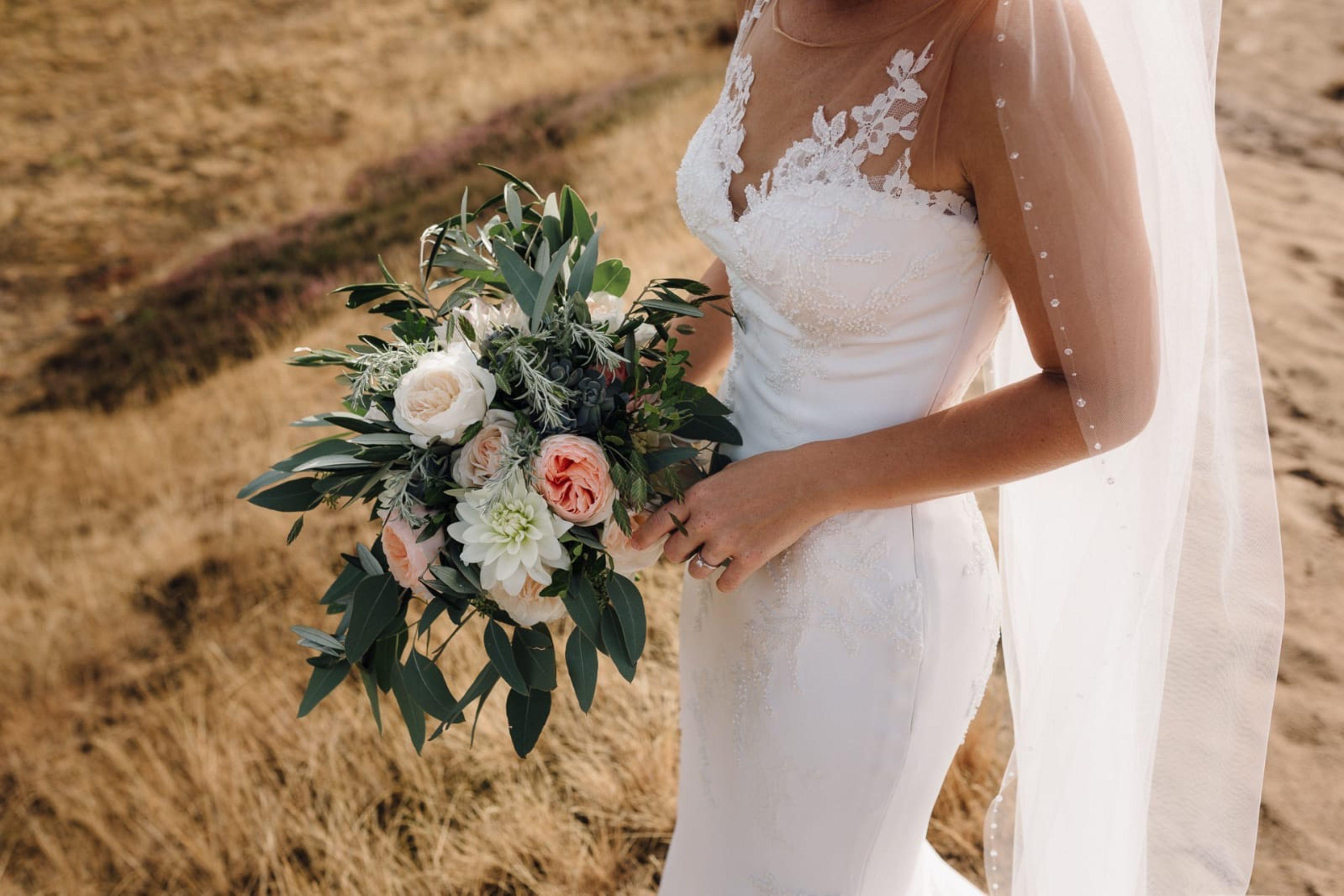 De Stijl Floral Design bruidsboeket