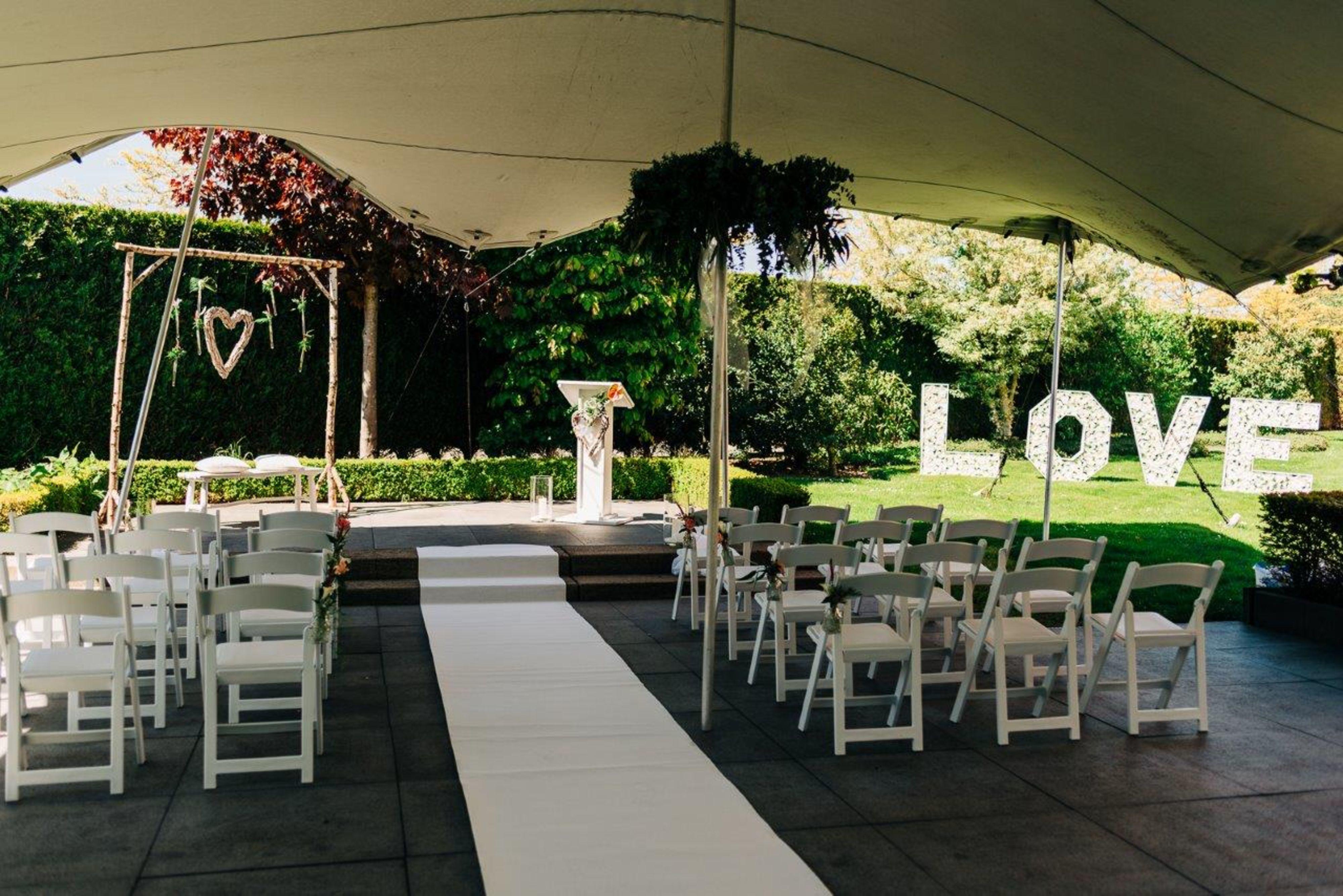 Buiten trouwen bij Hotel Ridderkerk