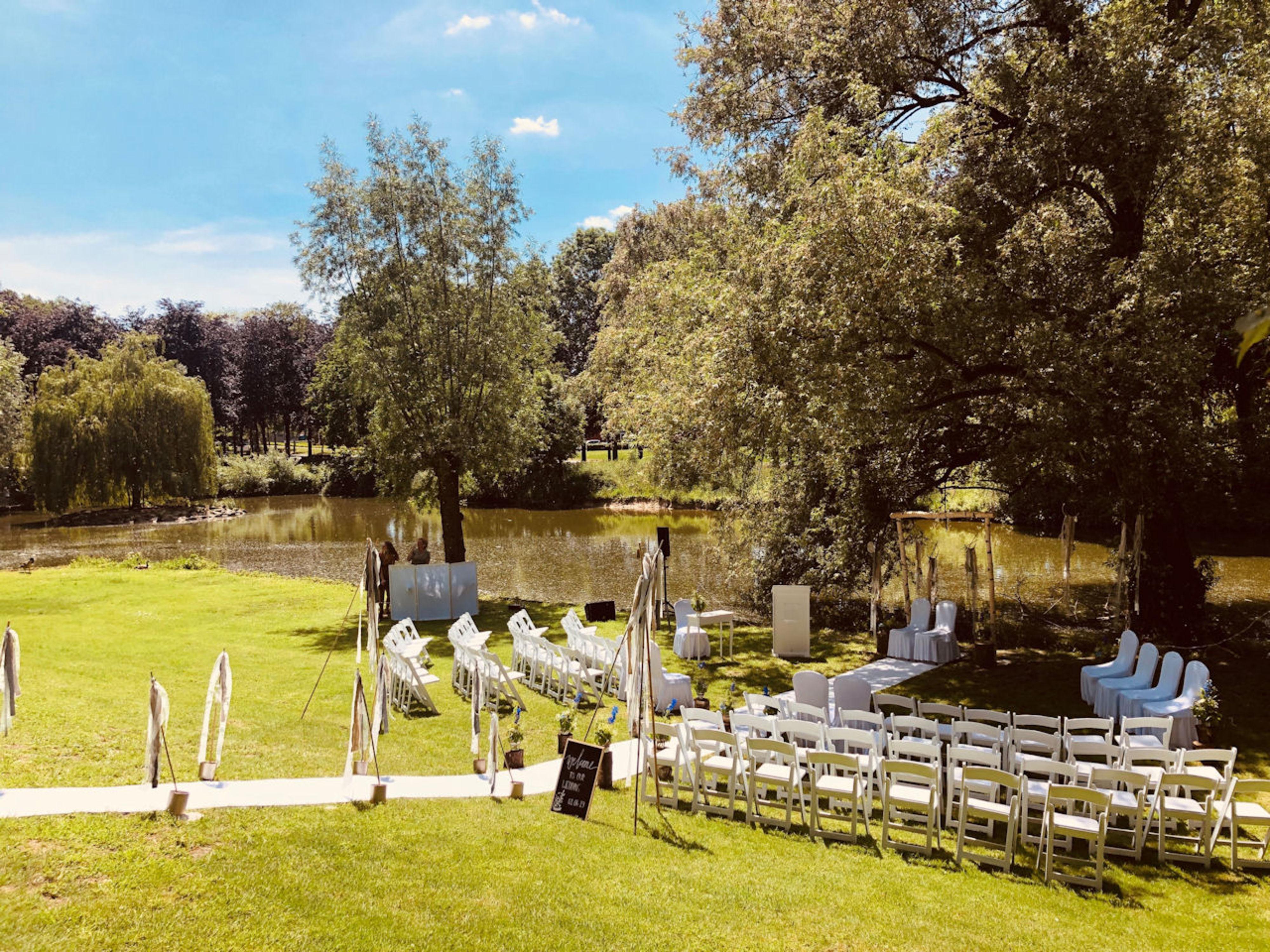 Buiten trouwen bij Auberge de Rousch in Heerlen