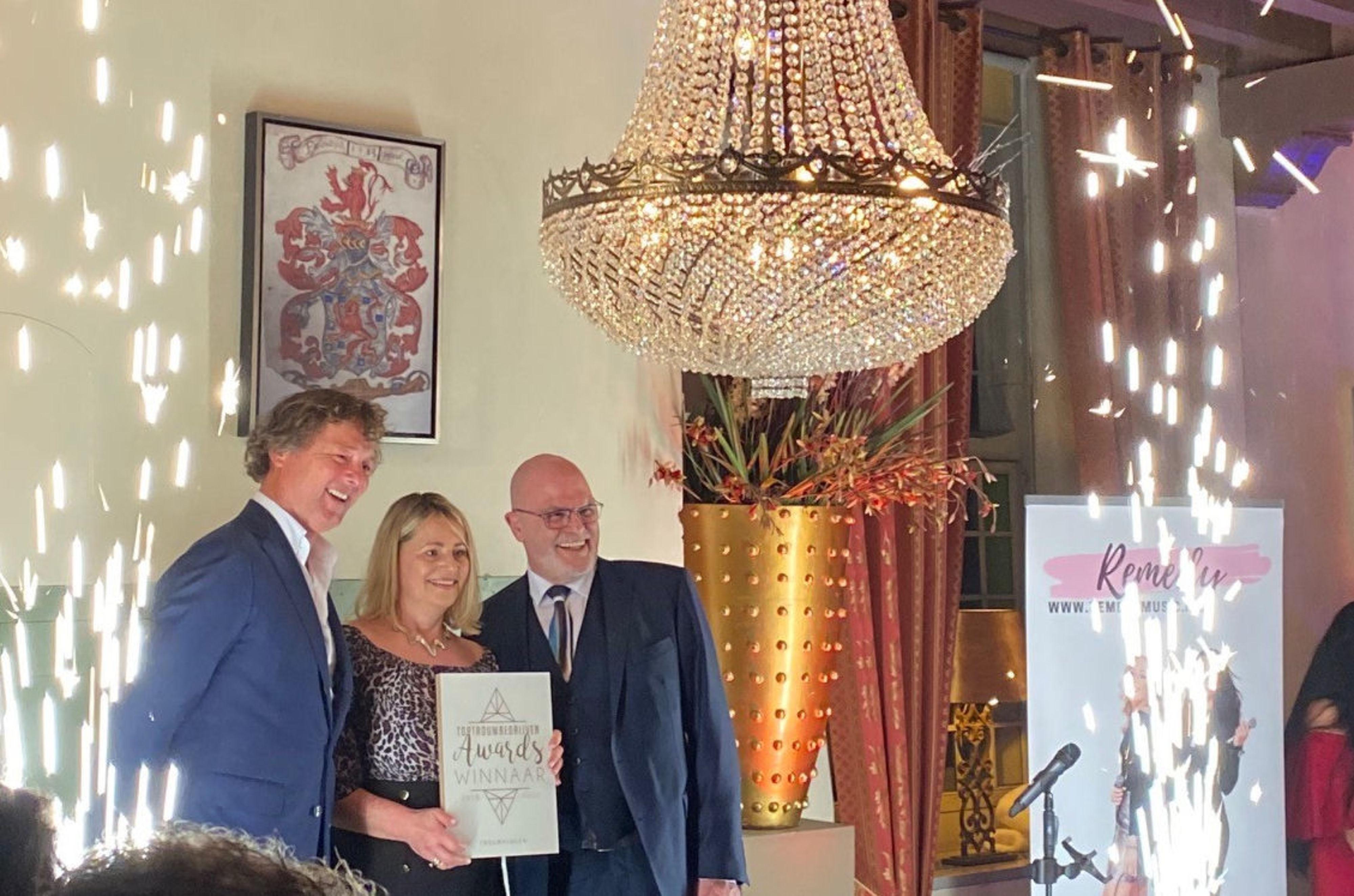 Rozenhof Trouwringen wint TopTrouwbedrijven Award