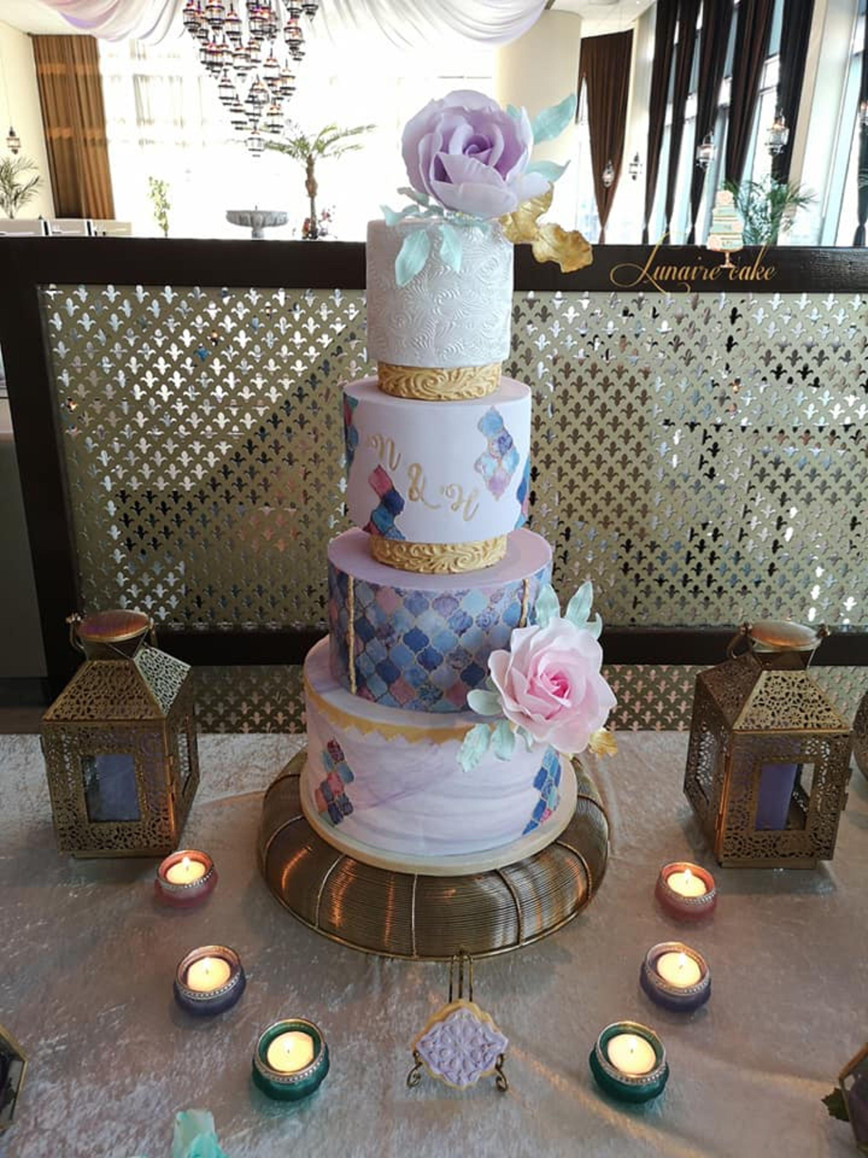 Lunaire cake bruidstaart