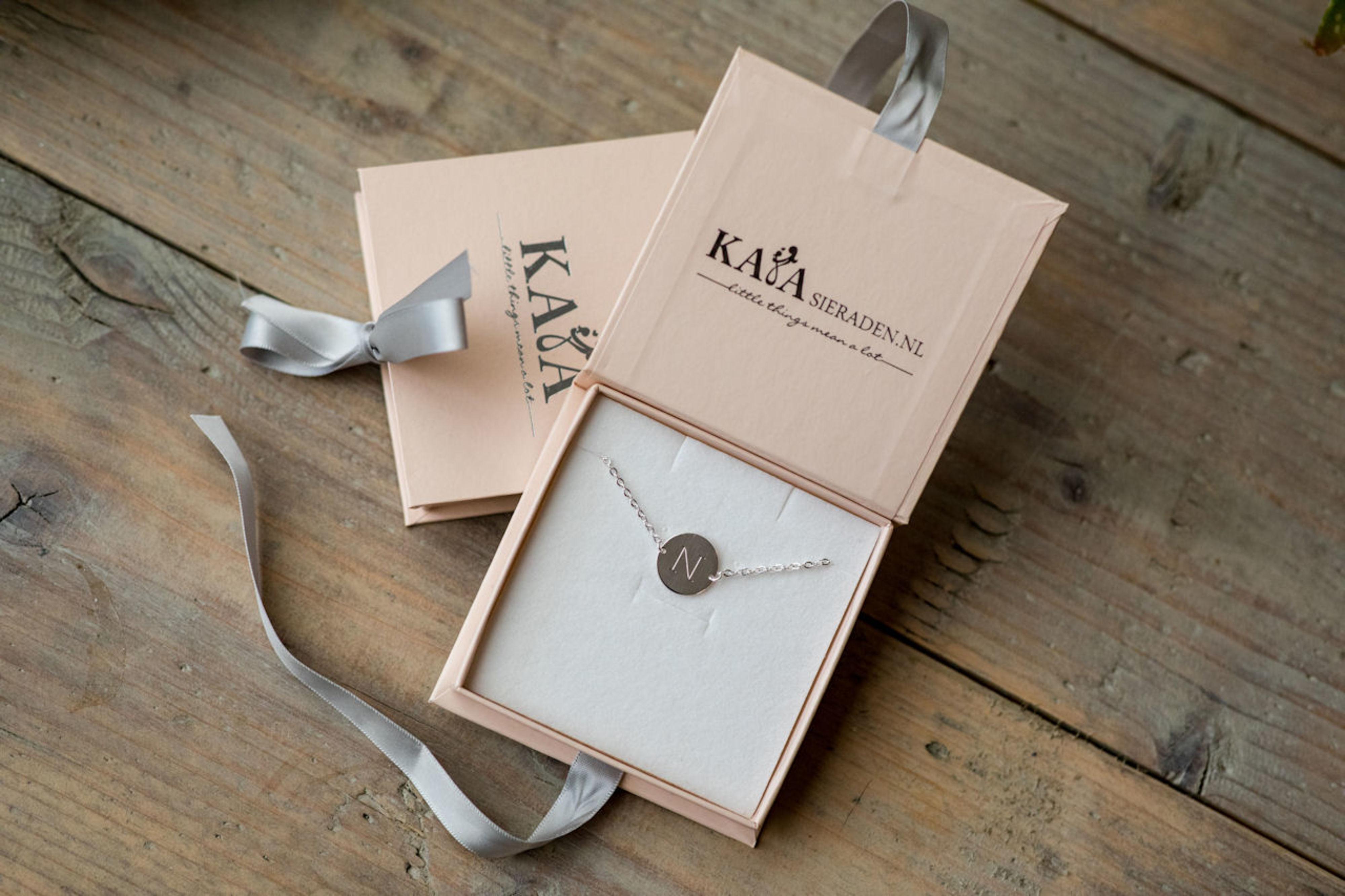 Armbandjes voor bruidsmeisjes