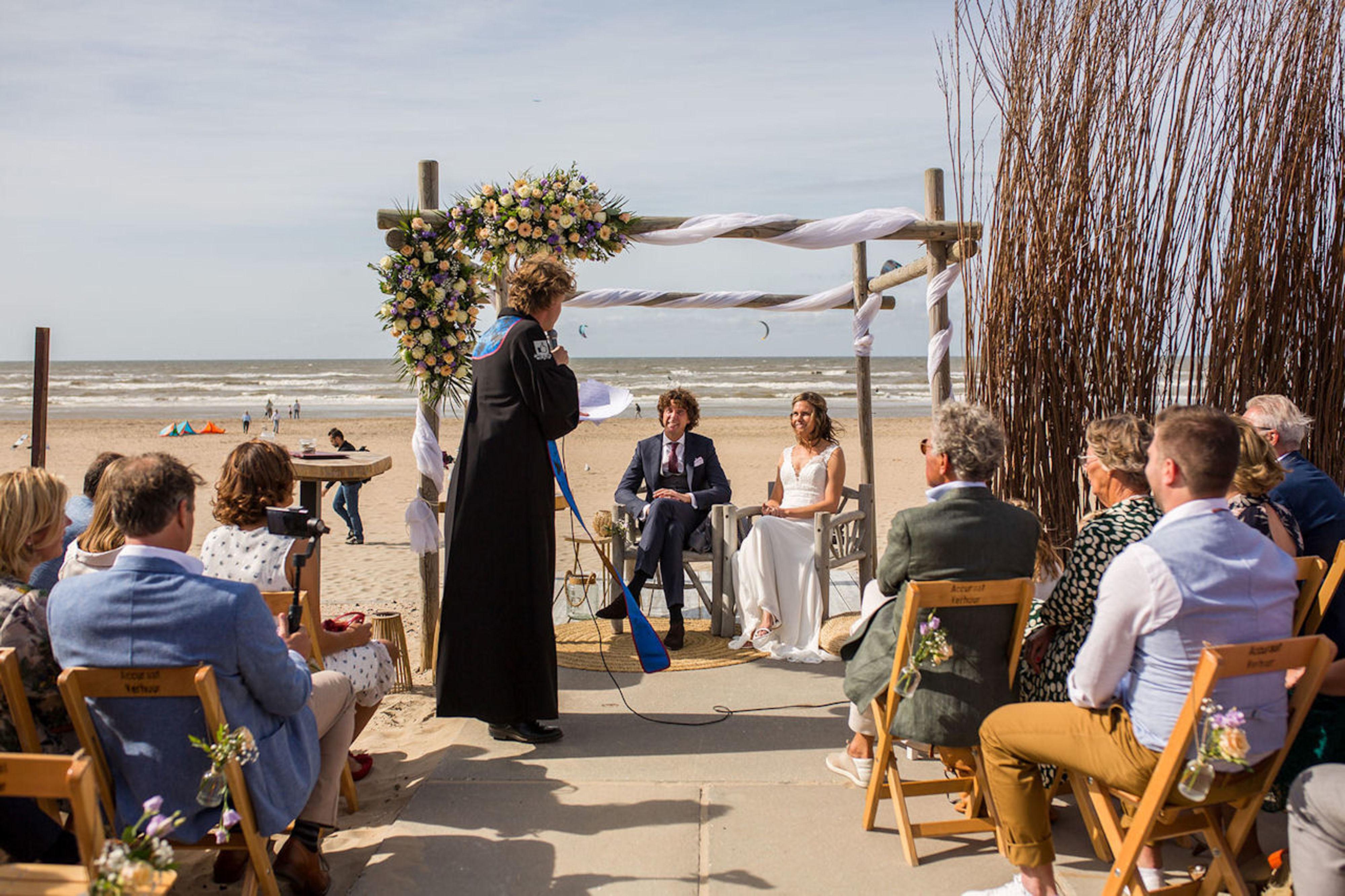 Bruiloftstyling strandlocatie