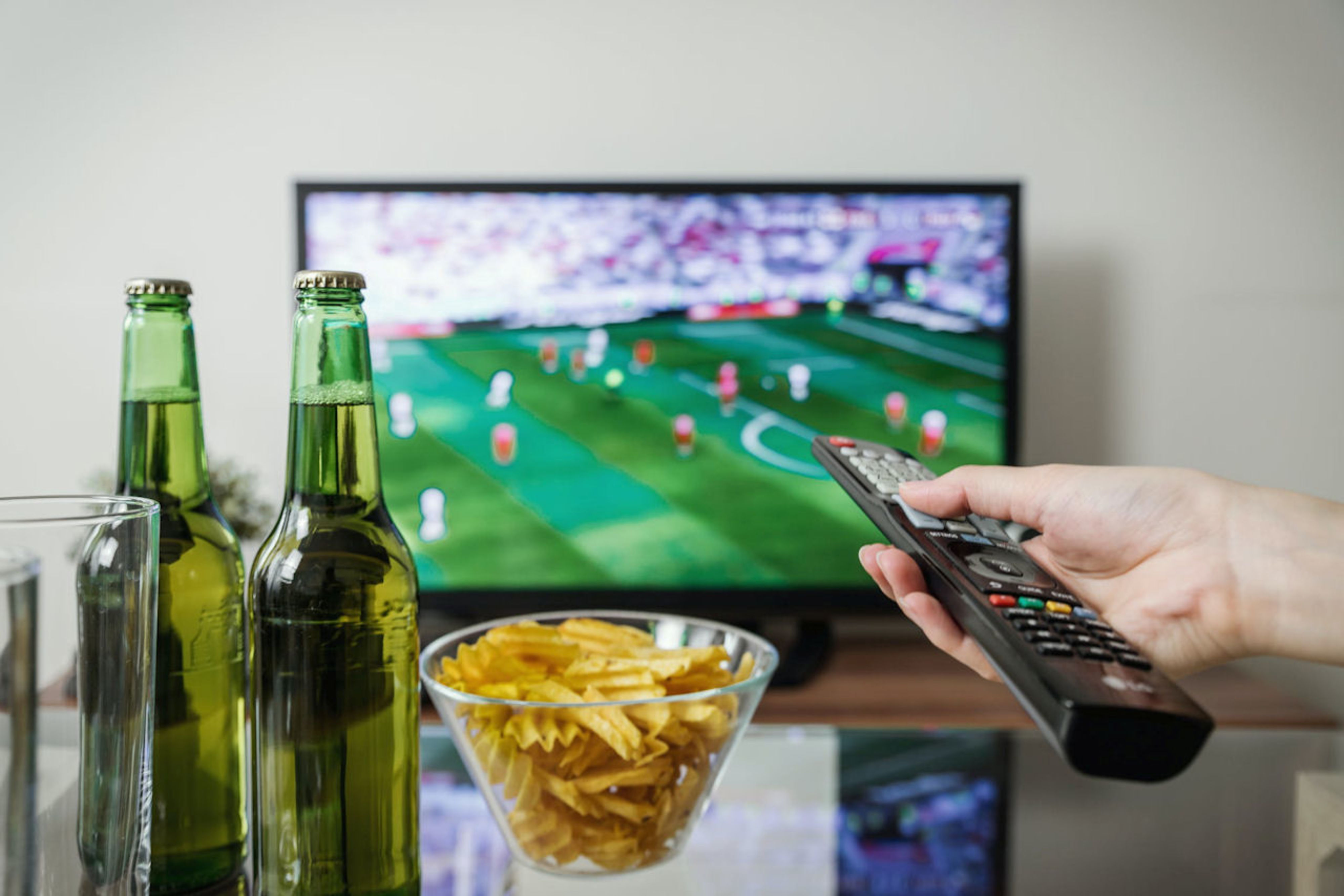 Voetbal kijken met vrienden