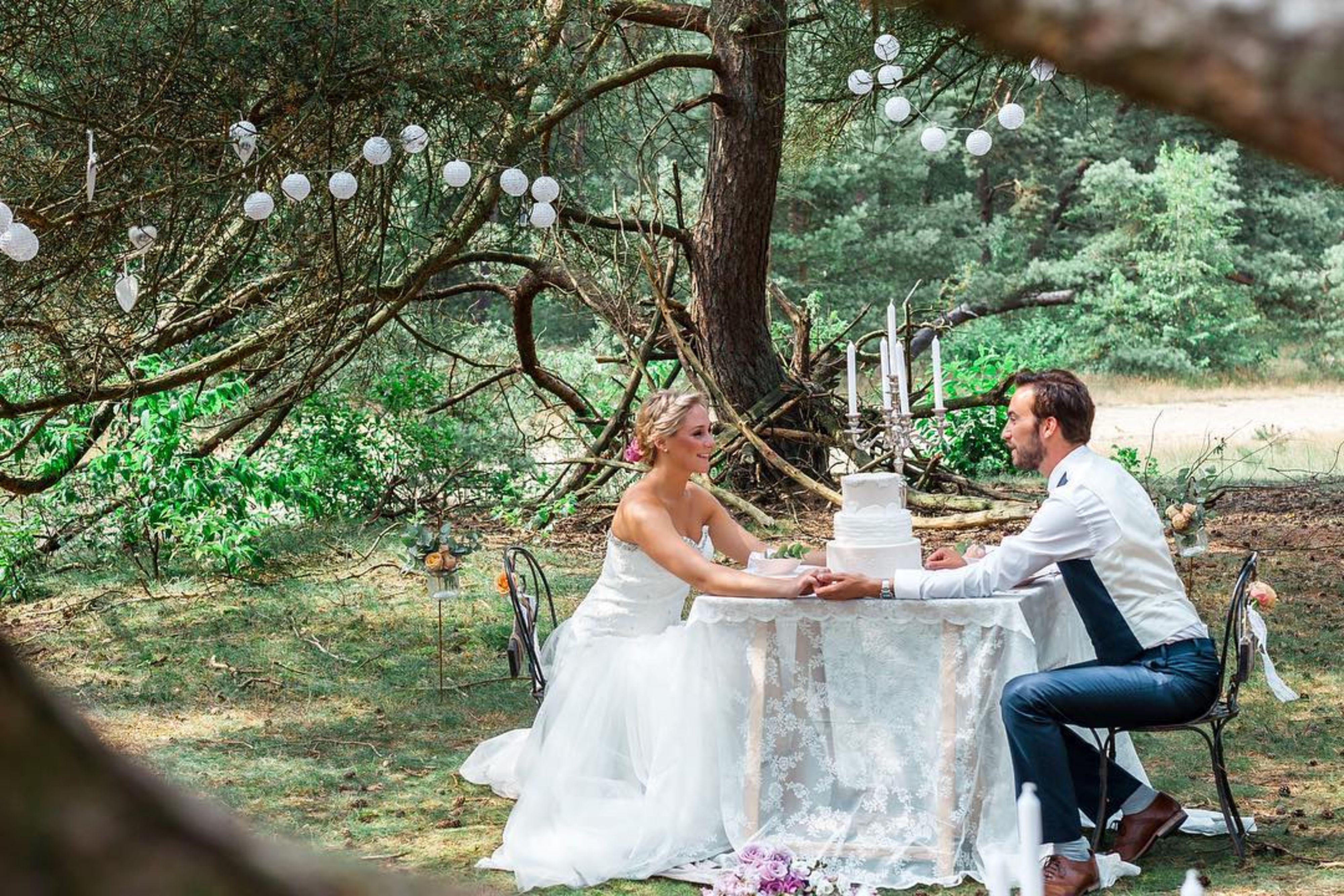 C'est la vie weddings