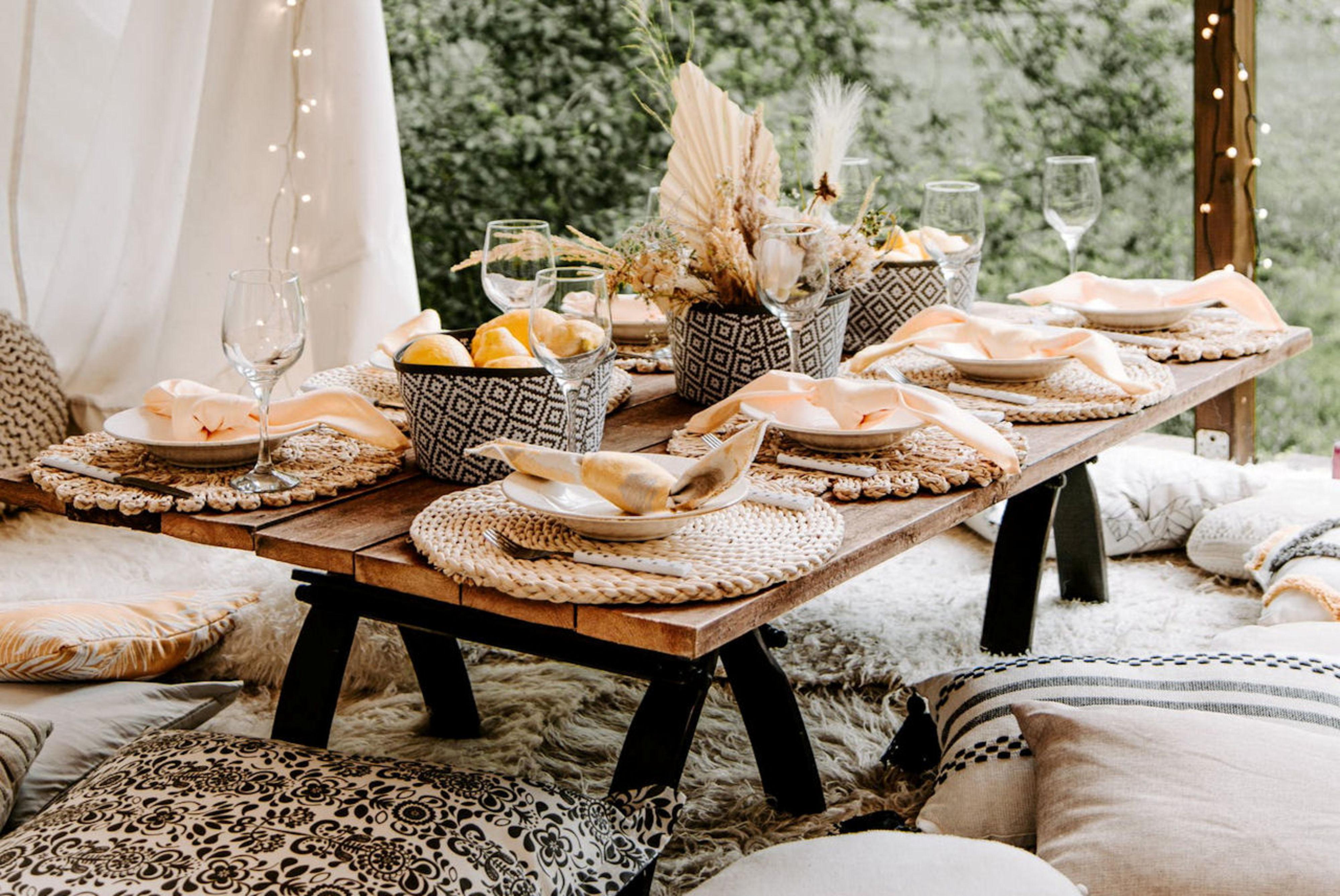 Kussens op je bohemian bruiloft