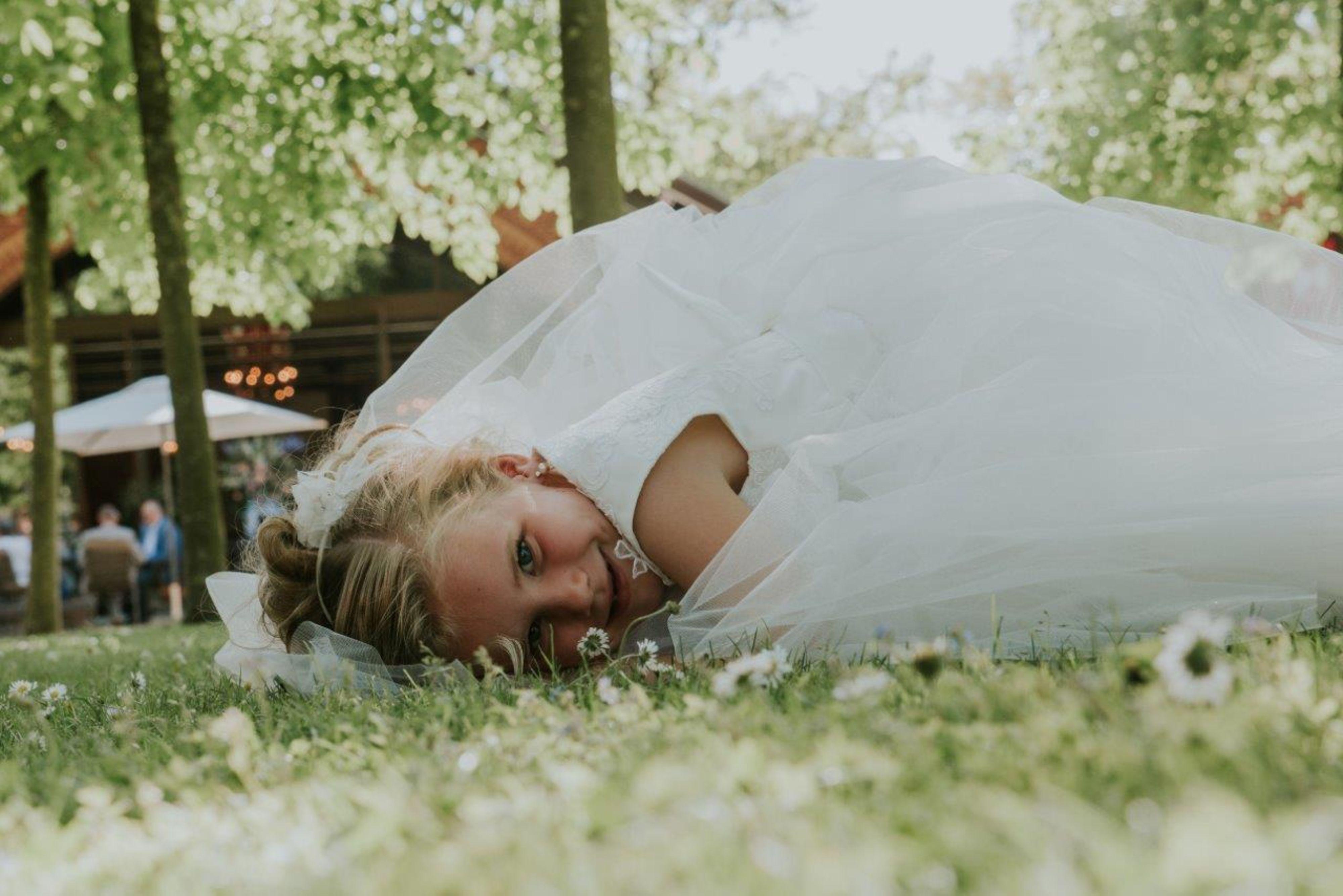 Promesa Bruidskleding trouwjurken en bruidsmeisjes