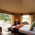 Big_jambo_safari_club_-_tent_bedroom