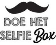 Large_photobooth_oudbeijerland_doehetselfiebox_logo