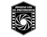 Large_photobooth_bruiloft_utrecht_jongensvandephotobooth_logo