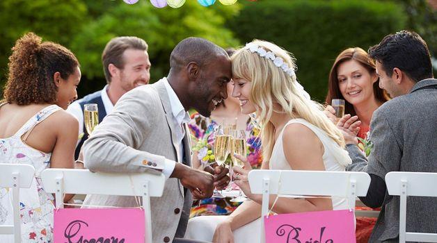 Small_trouwen_huwelijk_bruiloft
