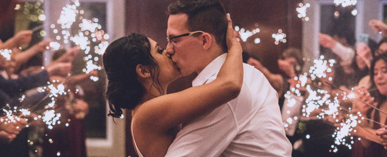17243158388a5f Wat trek je als gast aan naar een bruiloft  « Huwelijk