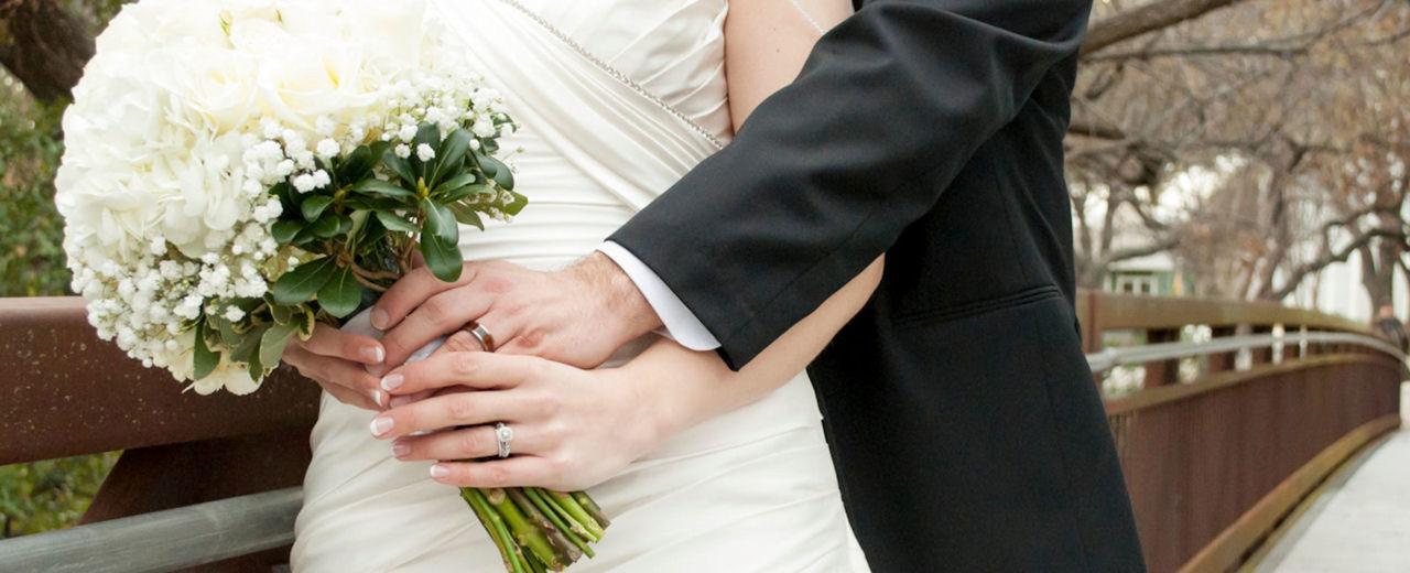 Large_zwanger_en_trouwen
