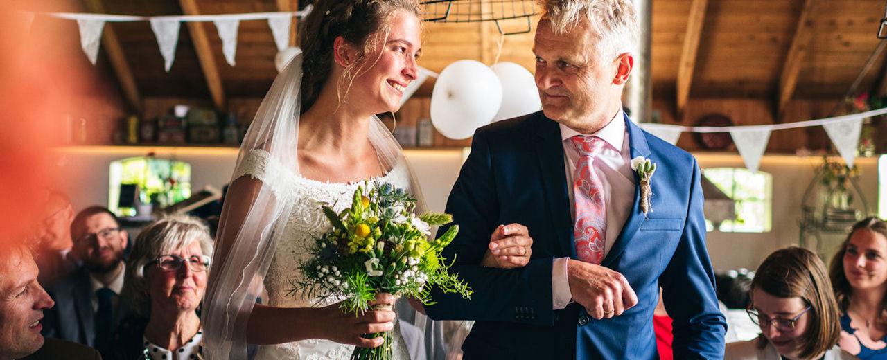 Large_vader_brengt_bruid_rinkeheederik